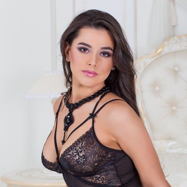 Pretty girl swallows a huge cum load