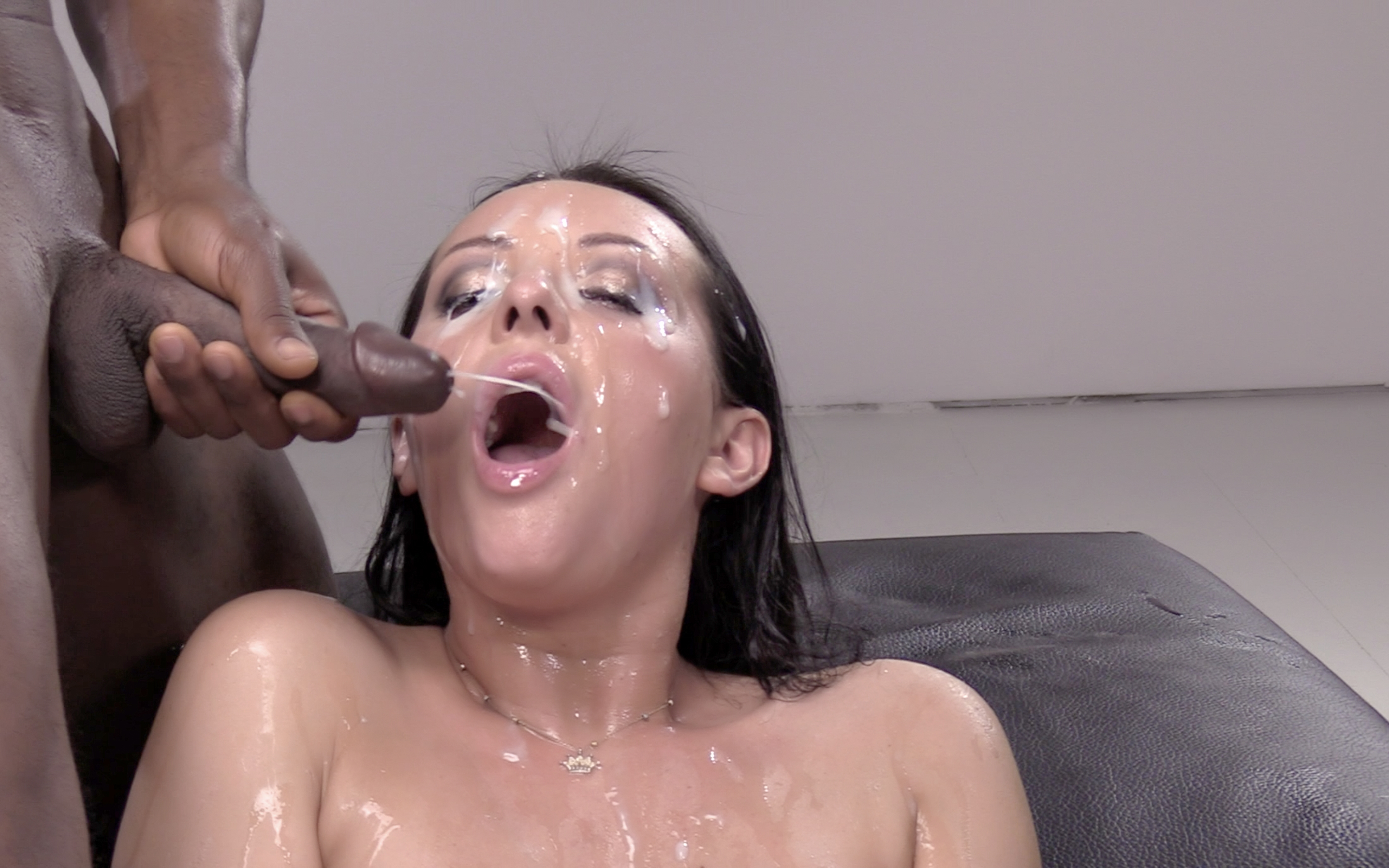 Girl sucks 5 loads out of his balls - 1 9